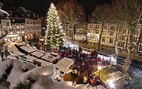 Der Monschauer Weihnachtsmarkt auf dem Marktplatz