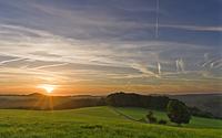 Traumhafter Sonnenaufgang bei Vossenack im Frühherbst