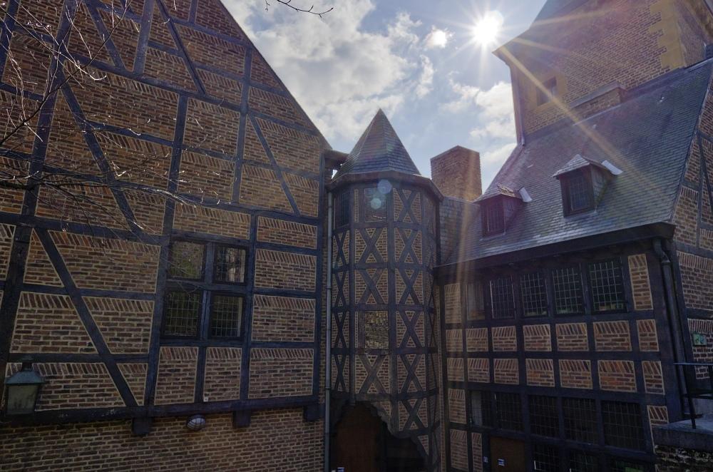 http://www.eifelmomente.de/albums/Nordeifel/Fruehjahr/2011_03_19_Tagestour_Luettich/2011_03_19_-_142_Liege_Citadelle_DNG_bearb.jpg