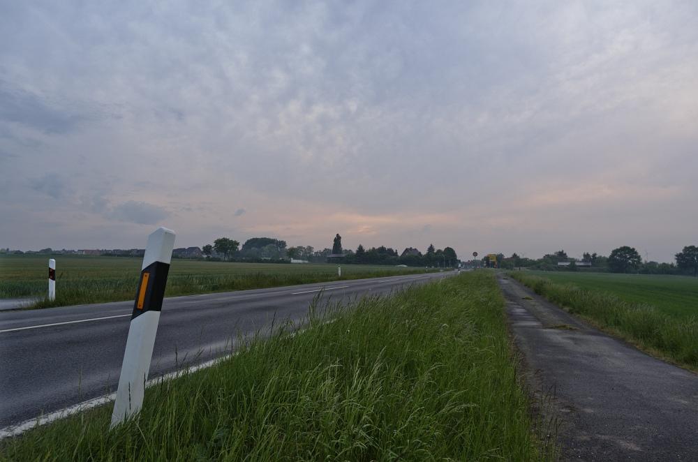 http://www.eifelmomente.de/albums/Nordeifel/Fruehjahr/2011_05_10_Chasing_Eifel_und_Rheinland/2011_05_10_-_52_Bei_Erp_DNG_bearb.jpg