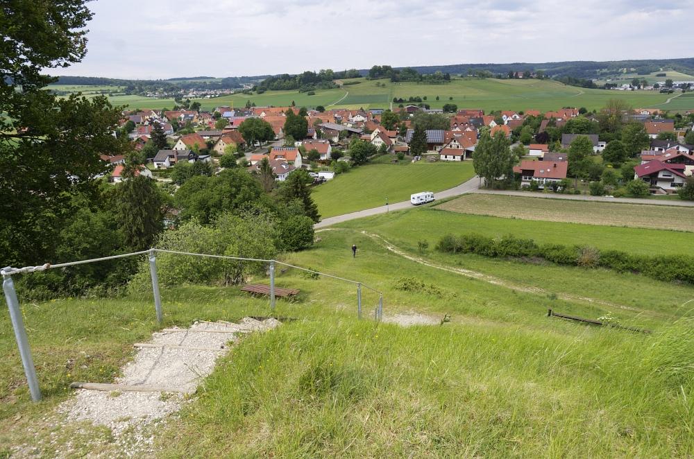 http://www.eifelmomente.de/albums/Nordeifel/Fruehjahr/2011_05_26-06_02_Urlaub_Schwaebische_Alb/2011_05_31_-_074_Steinheimer_Becken_DNG_bearb.jpg