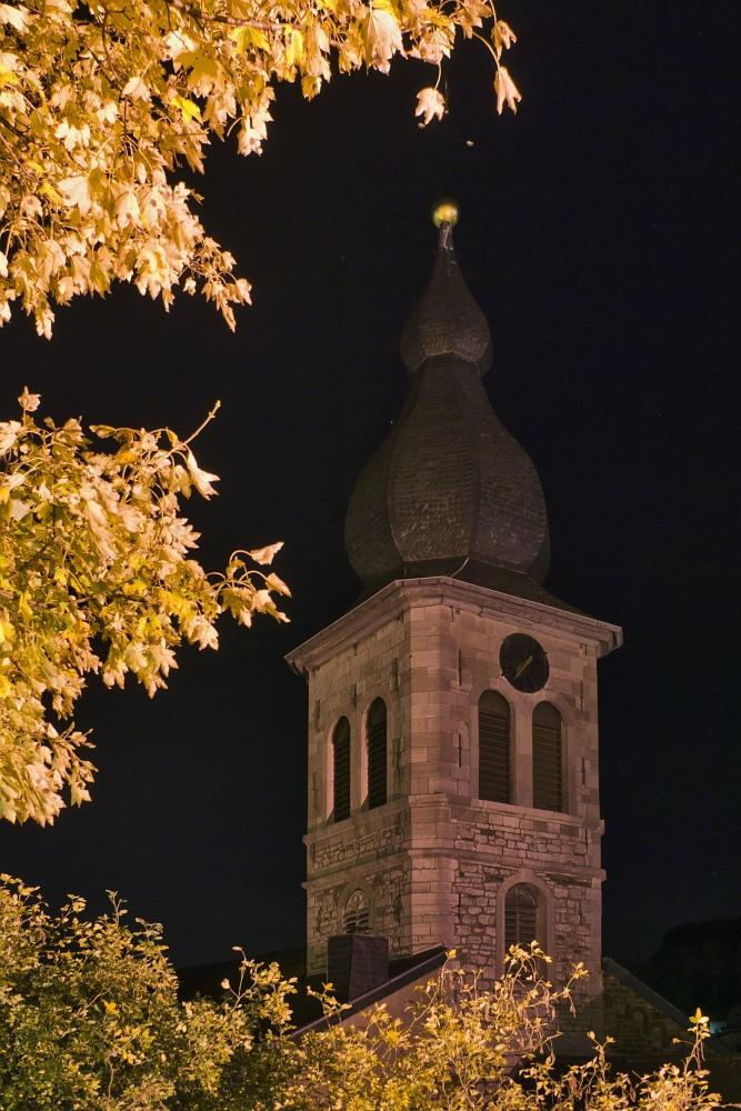 http://www.eifelmomente.de/albums/Nordeifel/Herbst/2010_10_31_Bickerath_bis_Stolberg/2010_10_31_-_198_Burg_Stolberg_DNG_bearb_entst.jpg