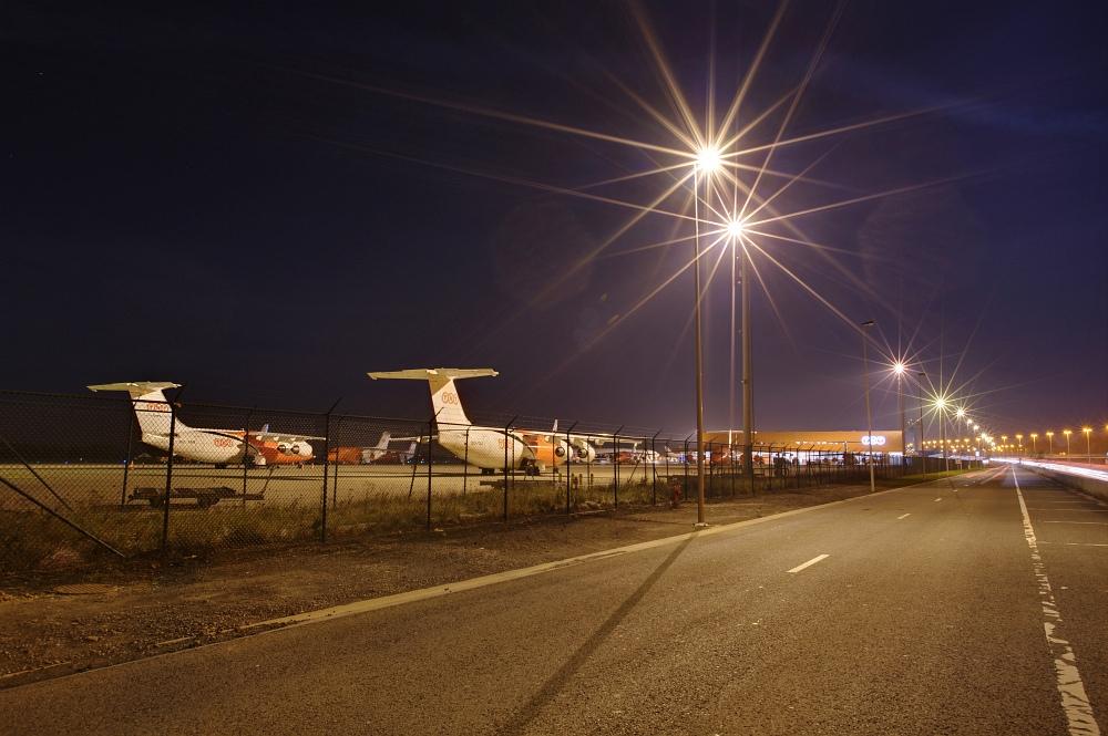 http://www.eifelmomente.de/albums/Nordeifel/Herbst/2010_11_20_Nachtaufnahmen_Seraing_und_Luettich_3/2010_11_20_-_060_Liege_Airport_DRI_bearb.jpg