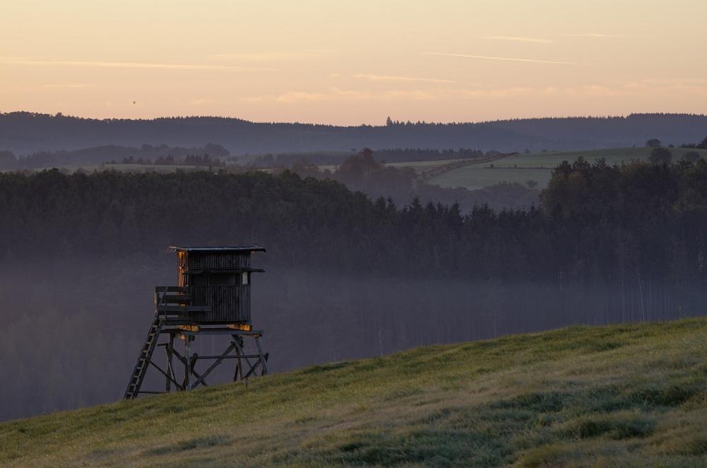 http://www.eifelmomente.de/albums/Nordeifel/Herbst/2012_09_30_Sonnenaufgang_NP/2012_09_30_-_096_Bei_Morsbach_DNG_bearb.jpg