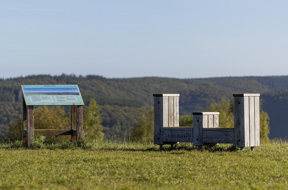 http://www.eifelmomente.de/albums/Nordeifel/Herbst/2012_09_30_Sonnenaufgang_NP/2012_09_30_-_271_Bei_Morsbach_DNG_bearb.jpg