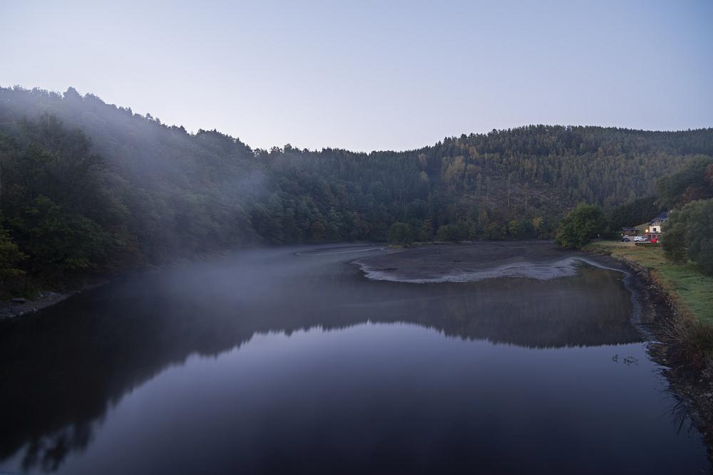 http://www.eifelmomente.de/albums/Nordeifel/Herbst/2016_09_28_10_05_Nationalpark_Eifel/2016_10_05_-_005_Einruhr_DNG_DRI_bearb.jpg