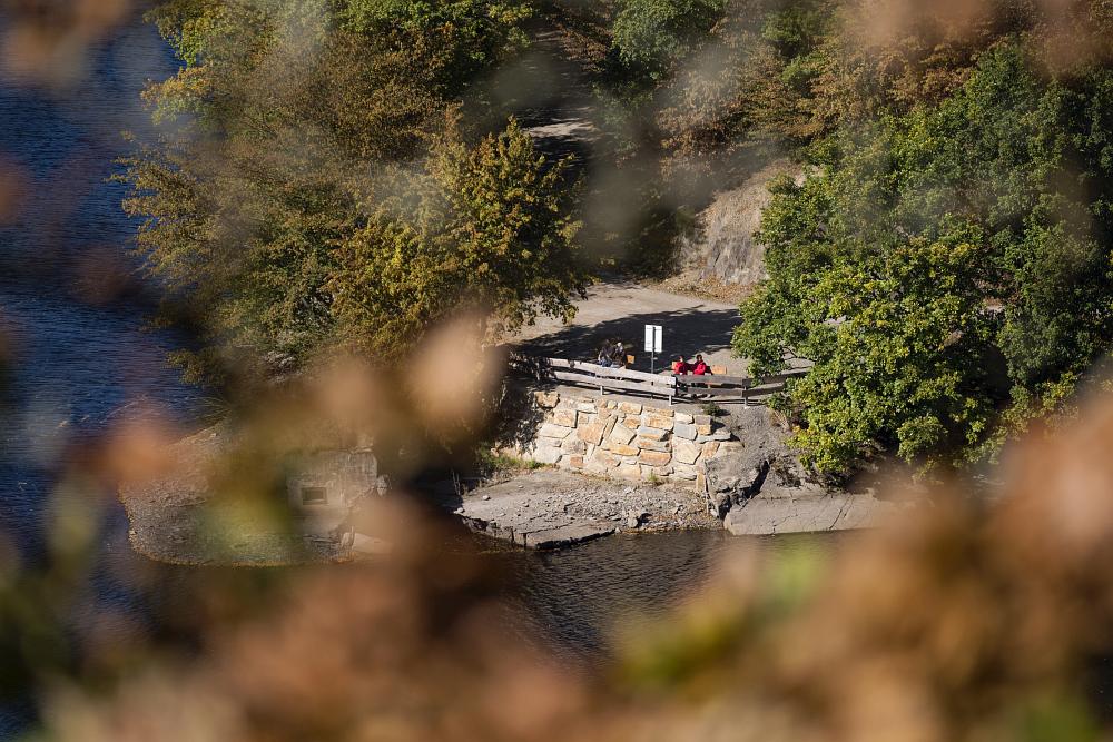 http://www.eifelmomente.de/albums/Nordeifel/Herbst/2016_09_28_10_05_Nationalpark_Eifel/2016_10_05_-_336_Urfttal_DNG_bearb.jpg