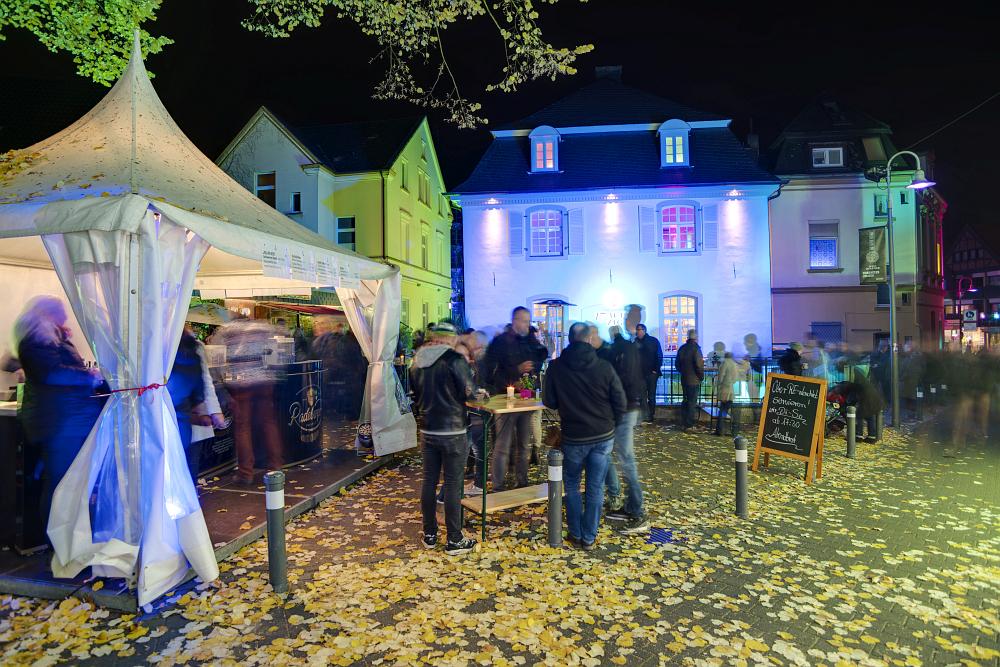 http://www.eifelmomente.de/albums/Nordeifel/Herbst/2016_Herbst/2016_11_04_-_140_Recklinghausen_leuchtet_DNG_DRI_bearb.jpg