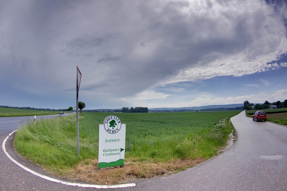 http://www.eifelmomente.de/albums/Nordeifel/Sommer/2010_06_06_Chasing_Kreis_Dueren_und_Holland/2010_06_06_-_47_Guerzenich_DRI_bearb_entz.jpg