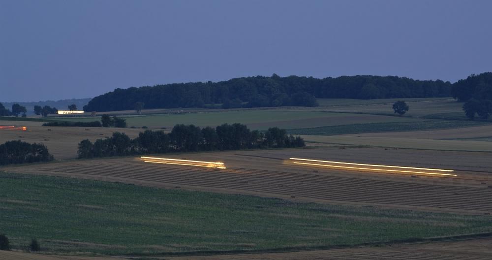 http://www.eifelmomente.de/albums/Nordeifel/Sommer/2011_08_23_MCS_und_Abendstimmung_Vlatten/2011_08_23_-_099_Abendstimmung_Luetzenberg_bei_Vlatten_DNG_bearb_ausschn.jpg