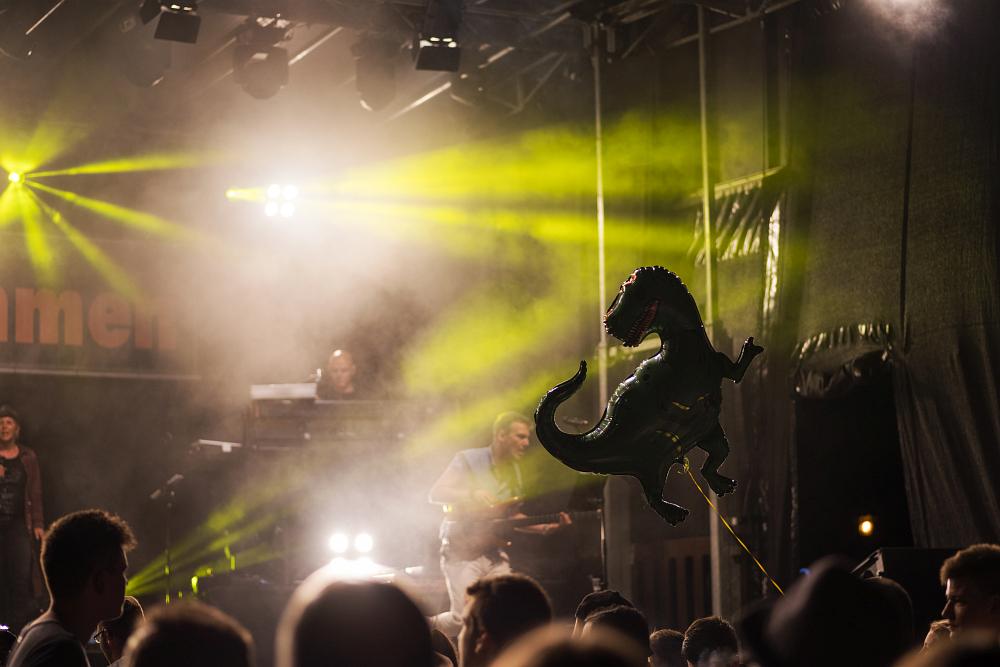 http://www.eifelmomente.de/albums/Nordeifel/Sommer/2017_07_29-30_Rurseefest/2017_07_30_-_142_Rursee_in_Flammen_DNG_bearb.jpg