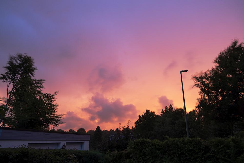 http://www.eifelmomente.de/albums/Nordeifel/Sommer/2017_08_15_Gewitter_Abendlicht/2017_08_15_-_002_Kesternich_DNG_bearb.jpg