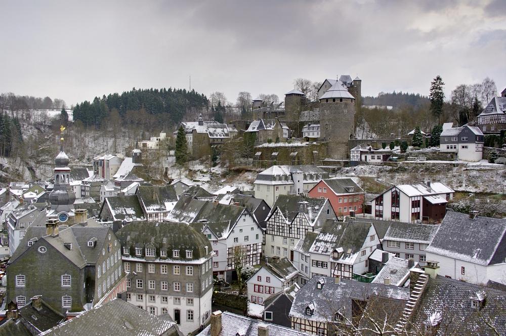 http://www.eifelmomente.de/albums/Nordeifel/Winter/2009_12_13_Monschauer_Weihnachtsmarkt/2009_12_13_-_042_Der_Monschauer_Weihnachtsmarkt_DRI_bearb.jpg