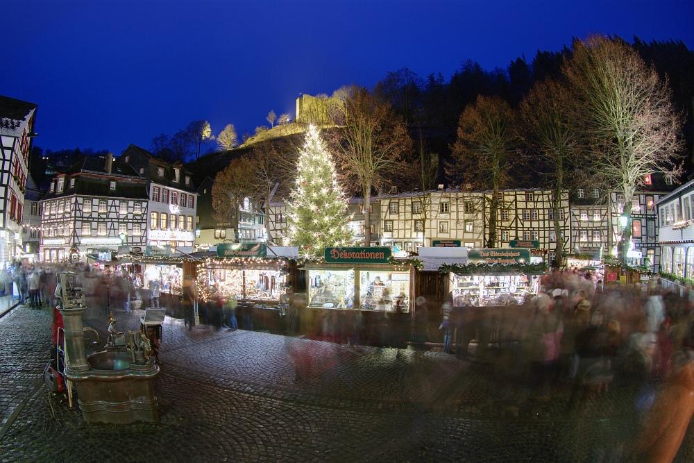 http://www.eifelmomente.de/albums/Nordeifel/Winter/2009_12_13_Monschauer_Weihnachtsmarkt/2009_12_13_-_071_Der_Monschauer_Weihnachtsmarkt_DRI_bearb_ausschn.jpg