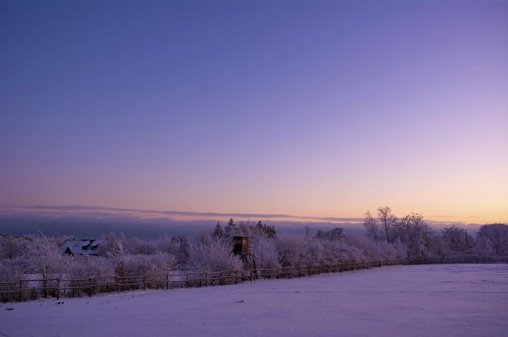 http://www.eifelmomente.de/albums/Nordeifel/Winter/2010_01_04_Sonnenuntergang_im_Winterwunderland/2010_01_04_-_33_Winterwunderland_bei_Muetzenich_DNG_bearb.jpg