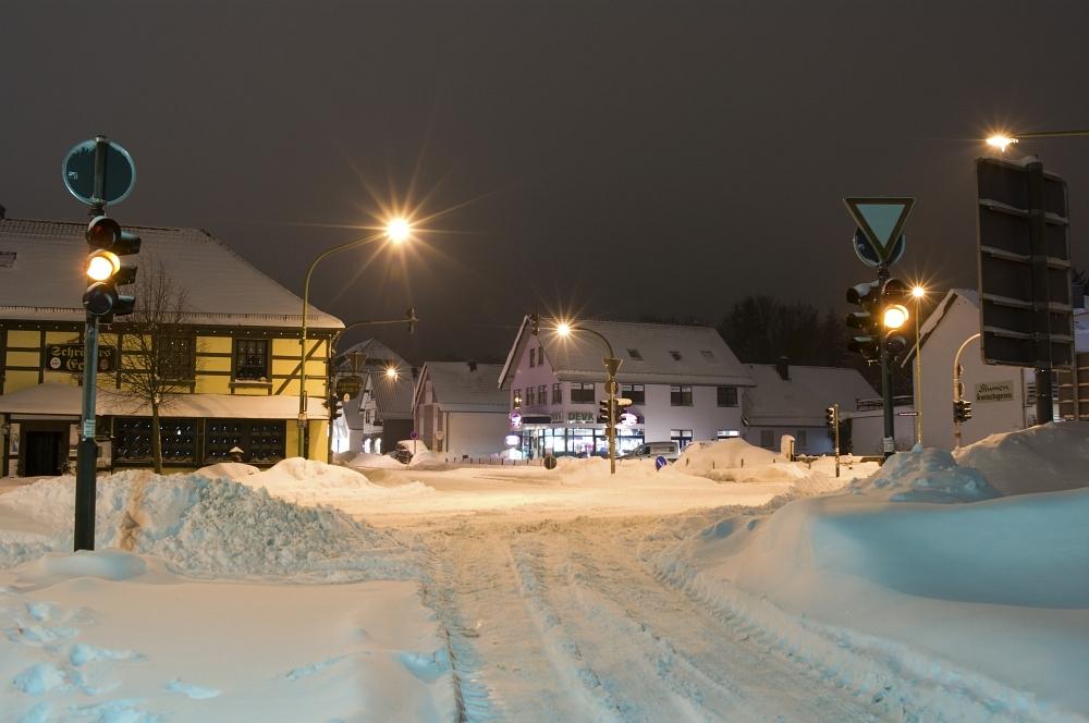 http://www.eifelmomente.de/albums/Nordeifel/Winter/2010_02_01_50cm_Schnee_in_Simmerath/2010_02_01_-_39_50cm_Schnee_in_Simmerath_DNG_bearb.jpg