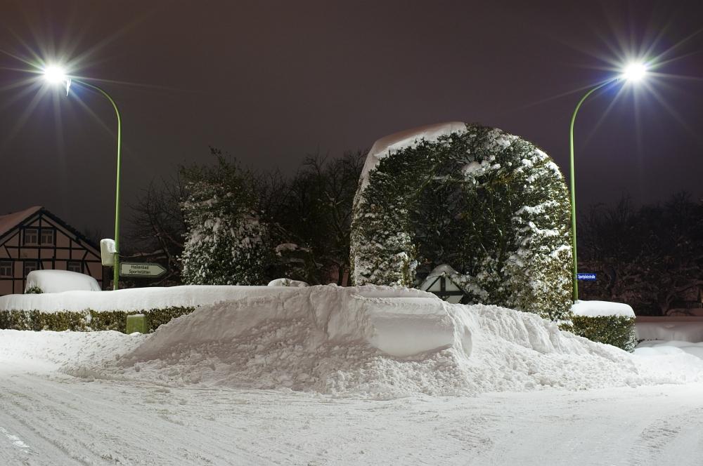 http://www.eifelmomente.de/albums/Nordeifel/Winter/2010_02_01_50cm_Schnee_in_Simmerath/2010_02_01_-_44_50cm_Schnee_in_Simmerath_DNG_bearb.jpg