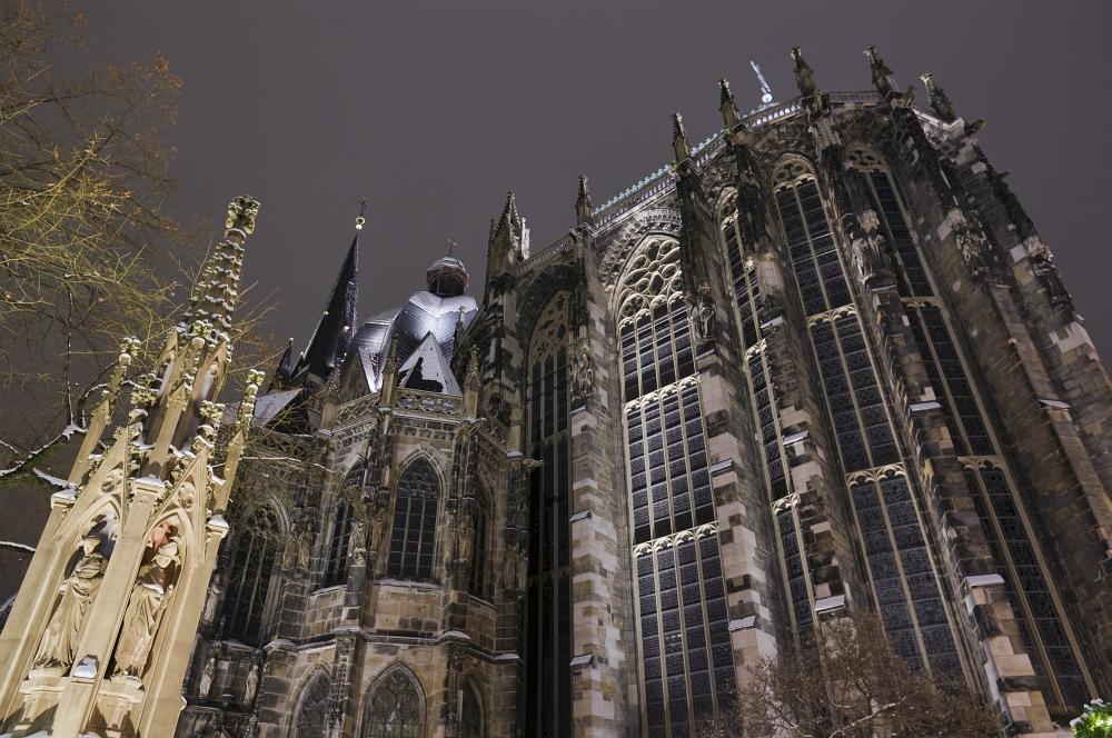 http://www.eifelmomente.de/albums/Nordeifel/Winter/2010_11_30_Aachener_Weihnachtsmarkt/2010_11_30_-_096_Aachener_Weihnachtsmarkt_DNG_bearb.jpg