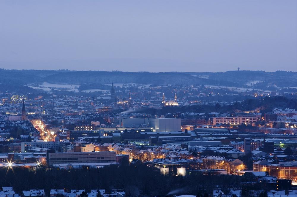 http://www.eifelmomente.de/albums/Nordeifel/Winter/2010_12_17-18_Winterfotos_u_Schloss_Merode/2010_12_18_-_70_Haarener_Berg_DNG_bearb.jpg
