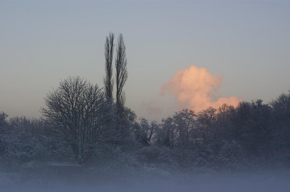 http://www.eifelmomente.de/albums/Nordeifel/Winter/2010_12_20_Sonnenuntergang_Eschweiler_u_Vollmond/2010_12_20_-_048_Sonnenuntergang_in_Eschweiler-Pumpe_DNG_bearb.jpg