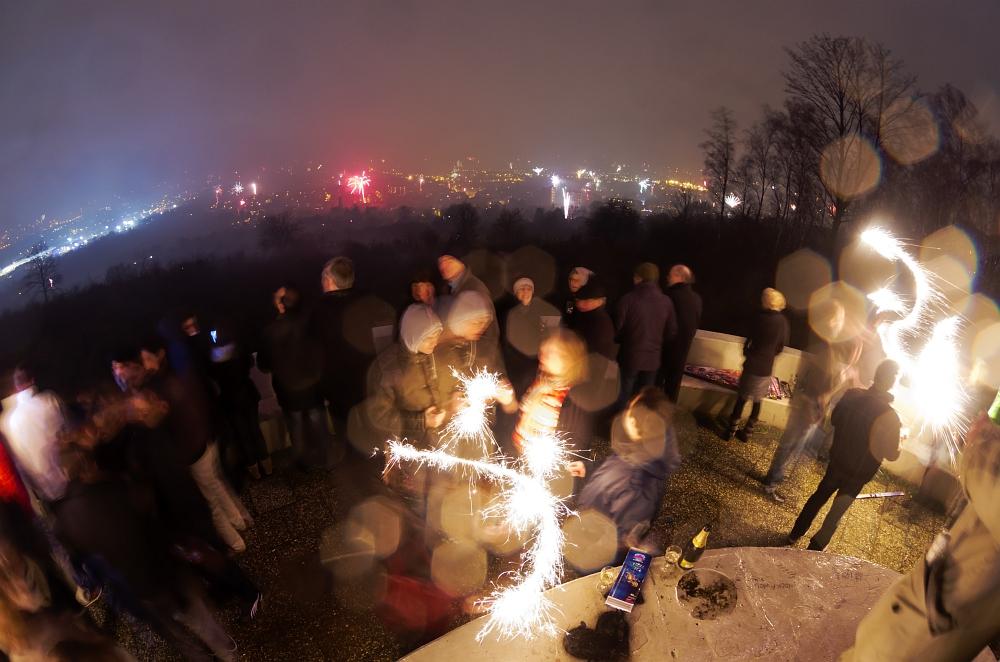 http://www.eifelmomente.de/albums/Nordeifel/Winter/2012_01_01_Silvester_Aachen_Haarberg/2012_01_01_-_12_Silvester_Haarberg_DNG_bearb.jpg