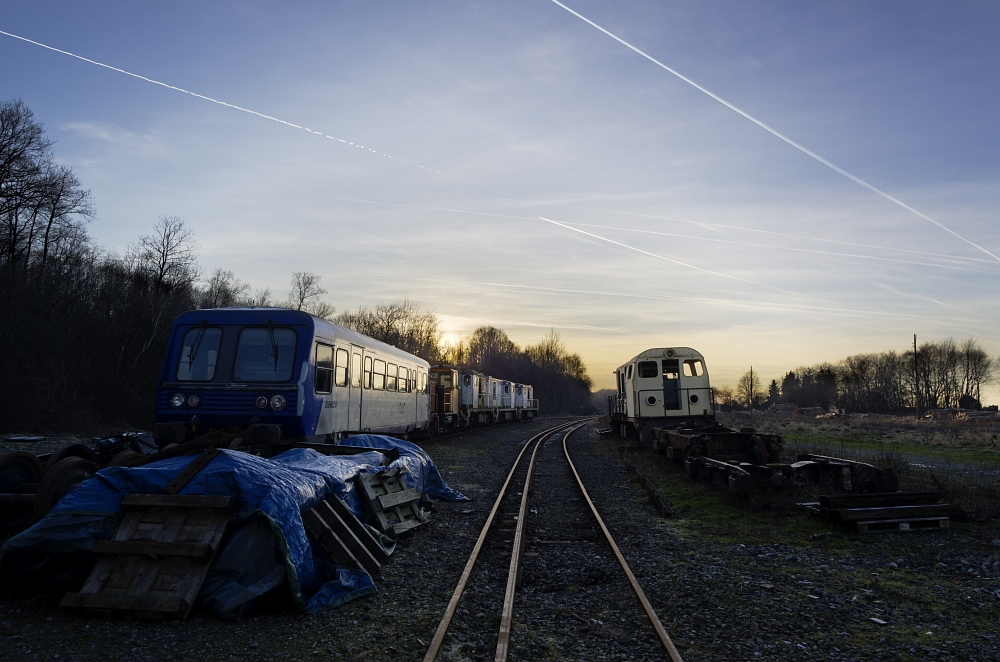 http://www.eifelmomente.de/albums/Nordeifel/Winter/2012_01_16_Bf_Raeren_u_Astrofotos/2012_01_16_-_032_Abends_Bahnhof_Raeren_DNG_DRI_bearb.jpg