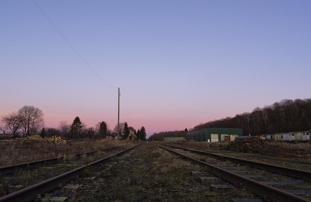http://www.eifelmomente.de/albums/Nordeifel/Winter/2012_01_16_Bf_Raeren_u_Astrofotos/2012_01_16_-_110_Abends_Bahnhof_Raeren_DNG_bearb_ausschn.jpg