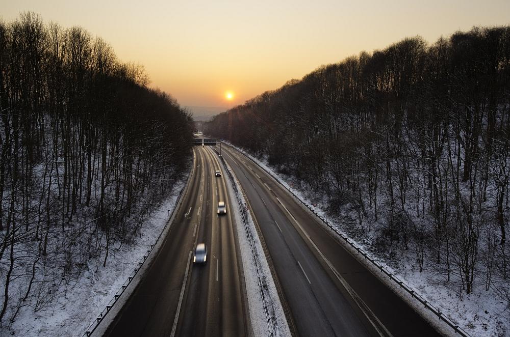 http://www.eifelmomente.de/albums/Nordeifel/Winter/2012_01_31_Sonnenuntergang_Haarberg_u_Nachts_Wald/2012_01_31_-_033_Aachen_Haarberg_DNG_DRI_bearb_retouch.jpg