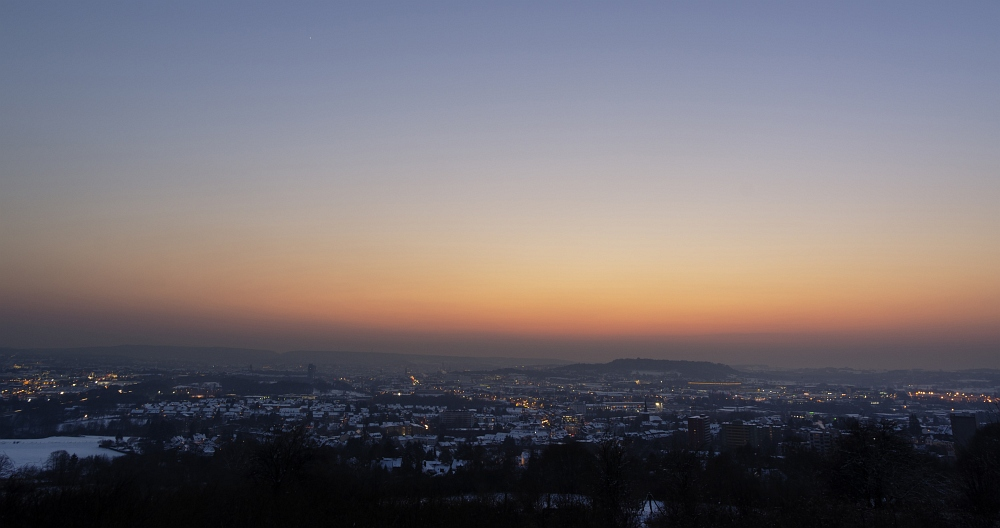 http://www.eifelmomente.de/albums/Nordeifel/Winter/2012_01_31_Sonnenuntergang_Haarberg_u_Nachts_Wald/2012_01_31_-_083_Aachen_Haarberg_DNG_bearb_ausschn.jpg