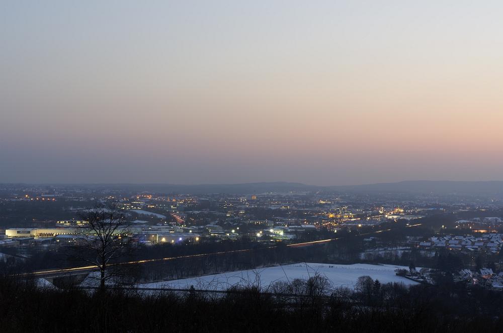 http://www.eifelmomente.de/albums/Nordeifel/Winter/2012_01_31_Sonnenuntergang_Haarberg_u_Nachts_Wald/2012_01_31_-_085_Aachen_Haarberg_DNG_bearb.jpg