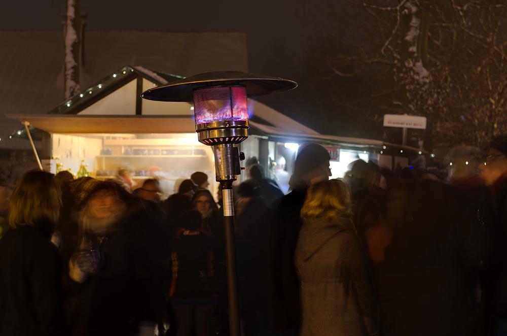 http://www.eifelmomente.de/albums/Nordeifel/Winter/2012_12_02_Abends_Fringshaus_Huppenbroich/2012_12_02_-_50_Huppenbroich_DNG_DRI_bearb_ausschn.jpg