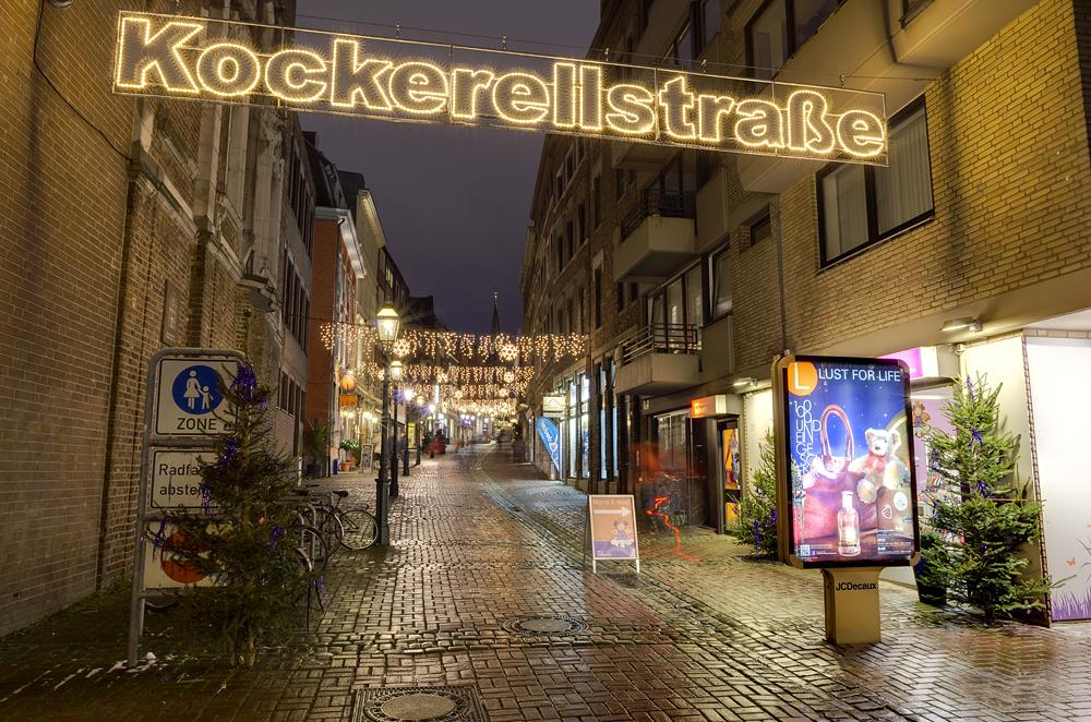 http://www.eifelmomente.de/albums/Nordeifel/Winter/2012_12_07_Aachener_Weihnachtsmarkt/2012_12_07_-_051_Aachen_DNG_DRI_bearb.jpg