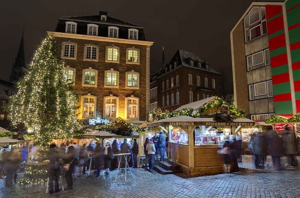 http://www.eifelmomente.de/albums/Nordeifel/Winter/2012_12_07_Aachener_Weihnachtsmarkt/2012_12_07_-_089_Aachen_DNG_DRI_bearb.jpg