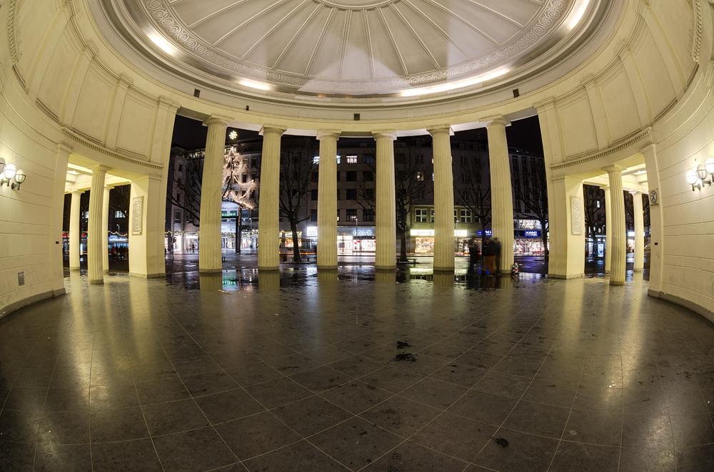 http://www.eifelmomente.de/albums/Nordeifel/Winter/2012_12_07_Aachener_Weihnachtsmarkt/2012_12_07_-_204_Aachen_DNG_DRI_bearb.jpg