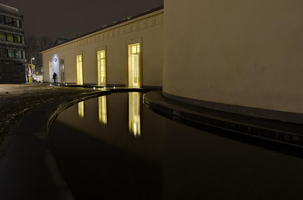 http://www.eifelmomente.de/albums/Nordeifel/Winter/2012_12_07_Aachener_Weihnachtsmarkt/2012_12_07_-_213_Aachen_DNG_DRI_bearb.jpg