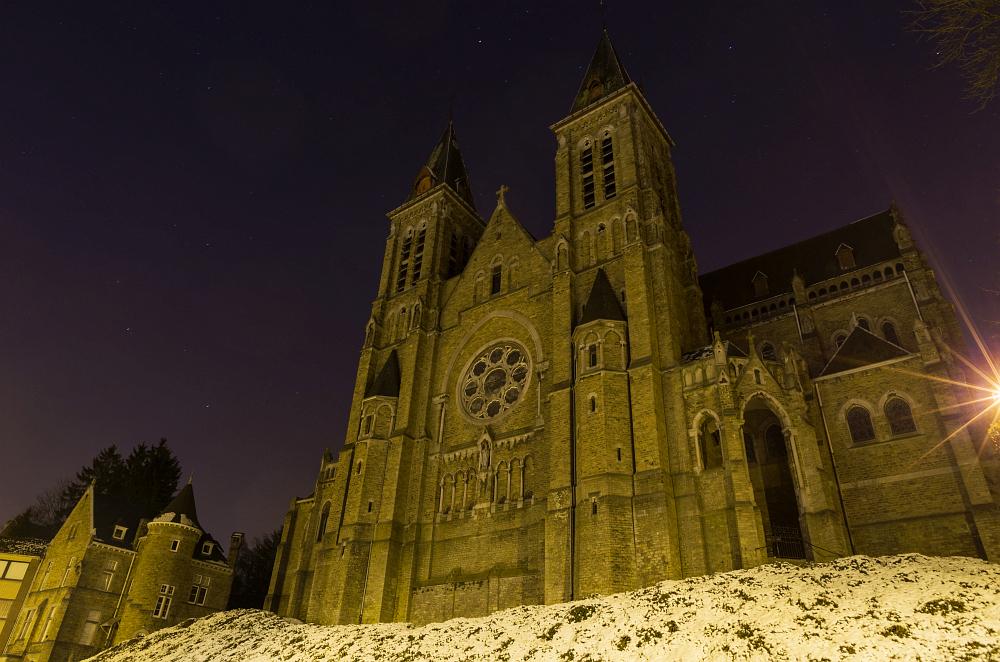 http://www.eifelmomente.de/albums/Nordeifel/Winter/2013_02_13_Polleurvenn_Verviers/2013_02_13_-_126_Verviers_Eglise_St_Julienne_DNG_bearb.jpg