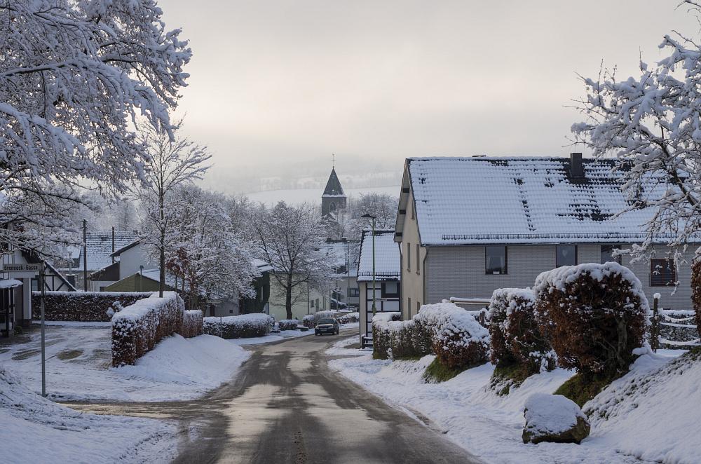 http://www.eifelmomente.de/albums/Nordeifel/Winter/2014_12_05-28_Winteranfang_Nordeifel/2014_12_14_-_146_Konzen_DNG_bearb.jpg