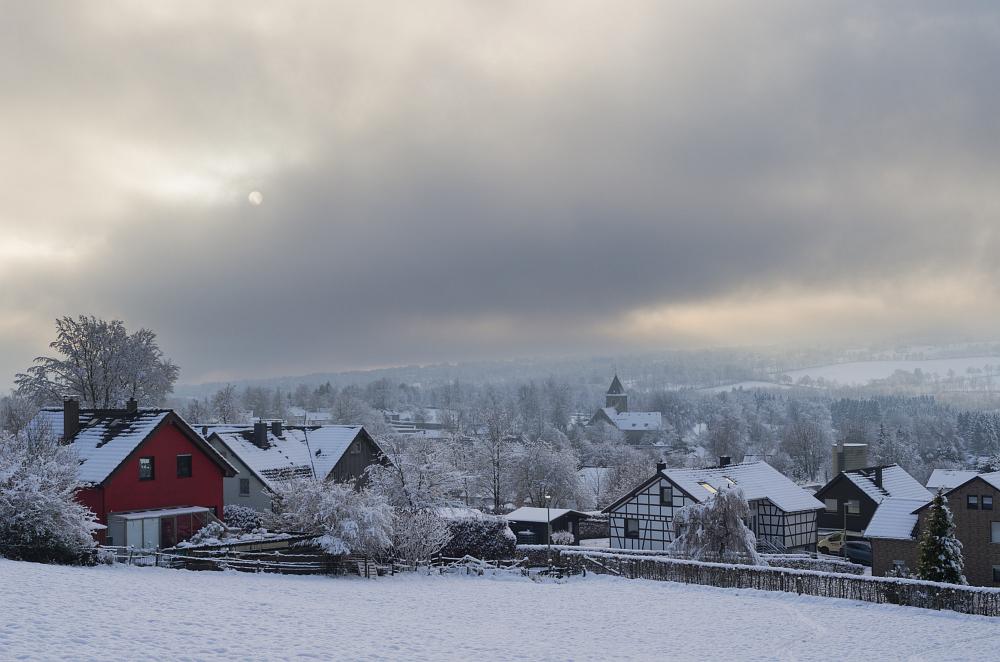 http://www.eifelmomente.de/albums/Nordeifel/Winter/2014_12_05-28_Winteranfang_Nordeifel/2014_12_14_-_151_Konzen_DNG_DRI_bearb.jpg