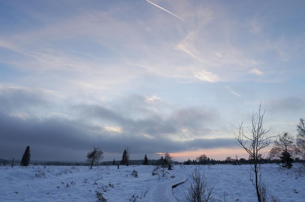 http://www.eifelmomente.de/albums/Nordeifel/Winter/2016_01_17-21_Winter_Venn/2016_01_21_-_023_Poleurvenn_DNG_bearb.jpg