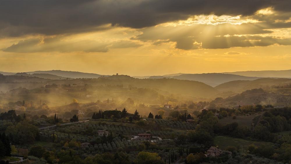 Brennende Abendstimmung in der Toskana