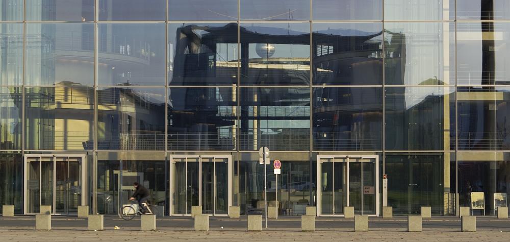 http://www.eifelmomente.de/albums/Urlaub/2011_11_05-09_Berlin/2011_11_06_-_100_Berlin_DNG_bearb_ausschn.jpg