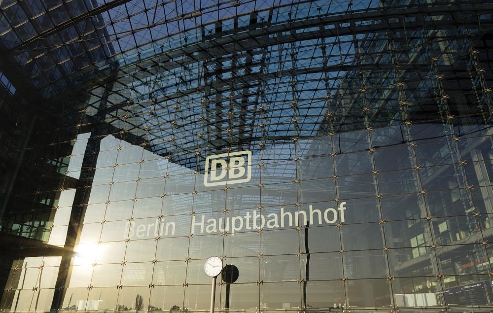 http://www.eifelmomente.de/albums/Urlaub/2011_11_05-09_Berlin/2011_11_06_-_112_Berlin_DNG_bearb_ausschn.jpg