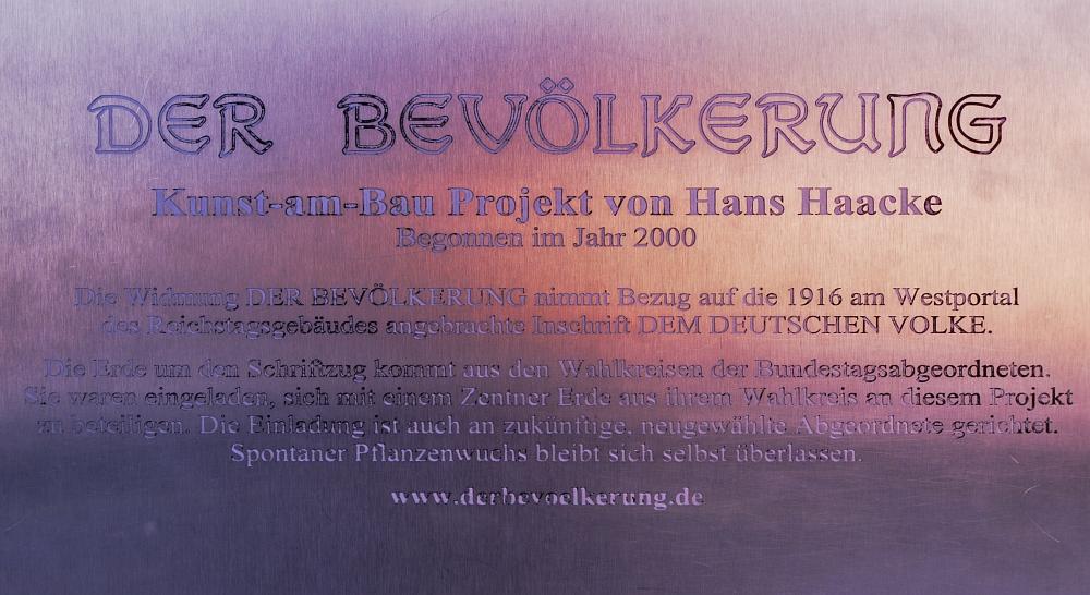http://www.eifelmomente.de/albums/Urlaub/2011_11_05-09_Berlin/2011_11_06_-_183_Berlin_DNG_bearb_Schild.jpg
