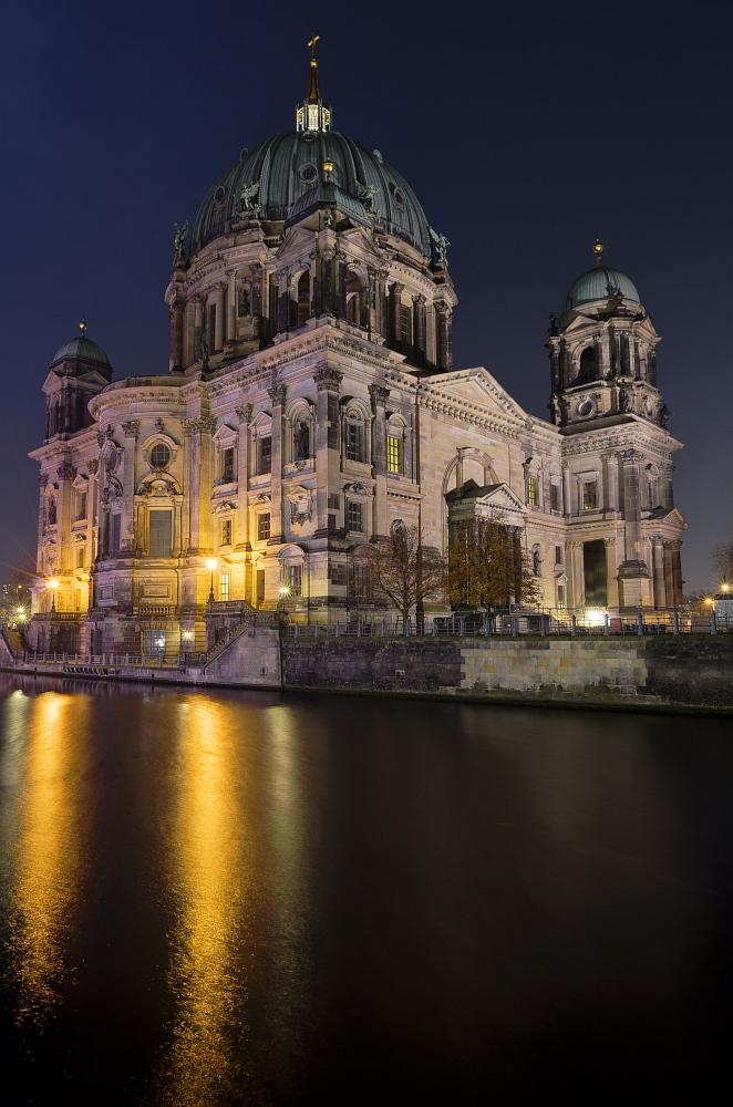 http://www.eifelmomente.de/albums/Urlaub/2011_11_05-09_Berlin/2011_11_06_-_238_Berlin_DNG_DRI_bearb.jpg