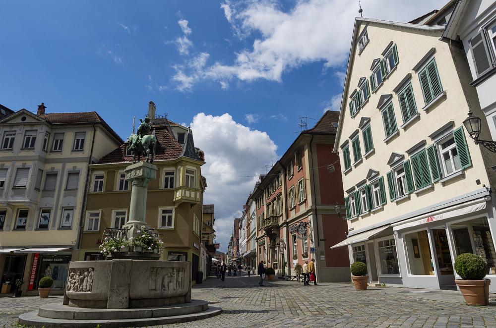 http://www.eifelmomente.de/albums/Urlaub/2016_07_11-14_Frankfurt_Alb/2016_07_14_-_100_Esslingen_DNG_bearb.jpg