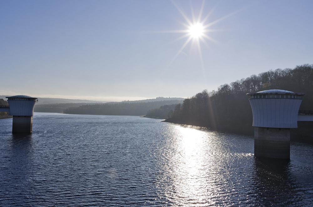 https://www.eifelmomente.de/albums/Nordeifel/Herbst/2011_11_11-29_Nordeifel/2011_11_11_-_103_Barrage_de_la_Gileppe_DNG_bearb.jpg