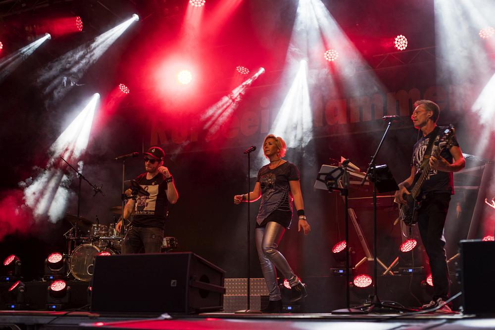 https://www.eifelmomente.de/albums/Nordeifel/Sommer/2018_07_28-29_Rurseefest/2018_07_28_-_104_Rursee_in_Flammen_DNG_bearb.jpg