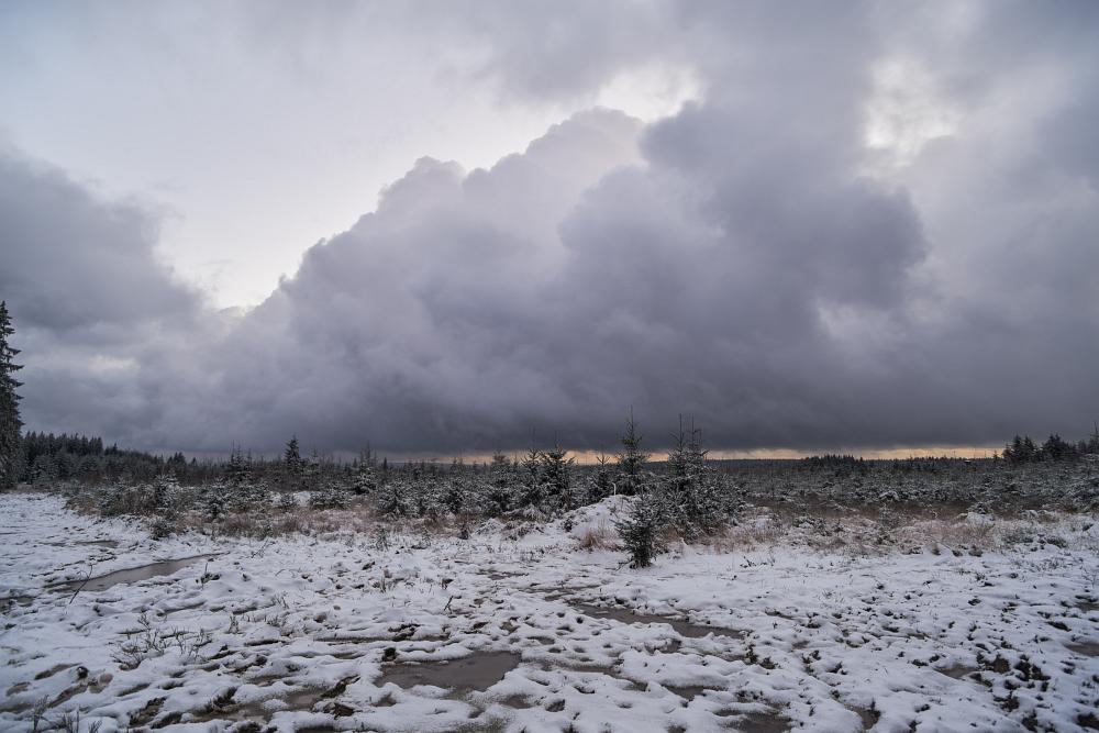 https://www.eifelmomente.de/albums/Nordeifel/Winter/2020-21_Winter/2020_12_25_-_22_Bei_Hockai_DNG_DRI_bearb.jpg