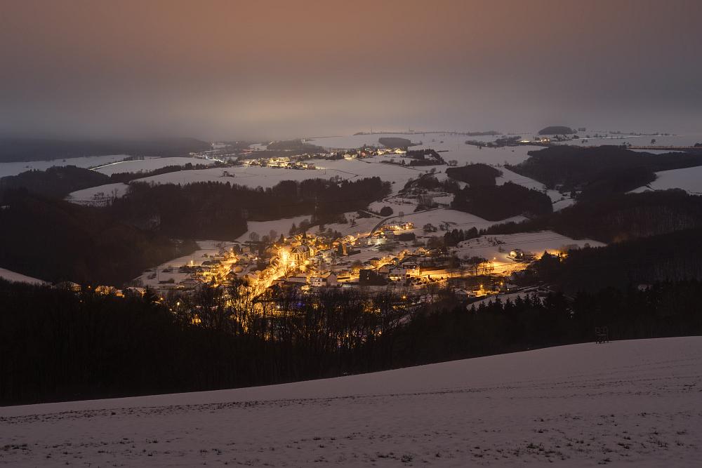 https://www.eifelmomente.de/albums/Nordeifel/Winter/2020-21_Winter/2020_12_29_-_164_Bei_Lasel_DNG_DRI_bearb.jpg