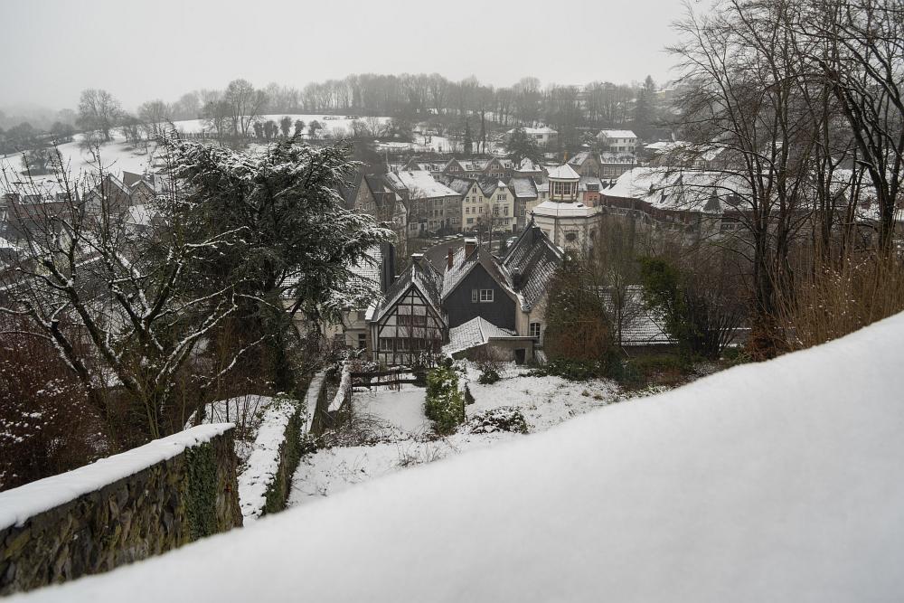 https://www.eifelmomente.de/albums/Nordeifel/Winter/2020-21_Winter/2021_01_08_-_064_Aachen_Kornelimuenster_DNG_bearb.jpg